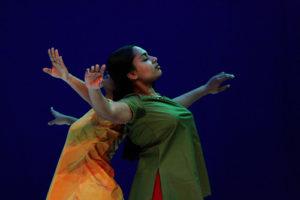 Read more about the article GOPIKA, création 2007, Brigitte Chataignier, Cie Prana – Extraits de répétitions, Inde