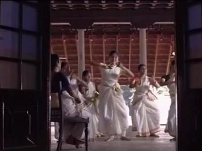 """""""La Danse de l'Enchanteresse"""" Extrait 1, Film de B. Chataignier et A. Gopalakrishnan"""